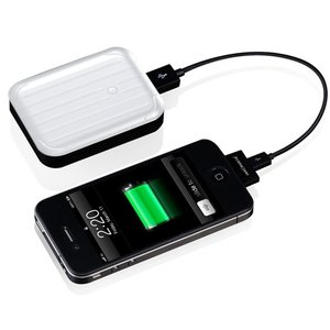 Just Mobile Gum++: High capacity backup battery for iPod, iPhone, iPad and USB powered devices.